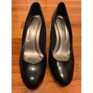 Comfort Plus Black Heels (Size 6.5)